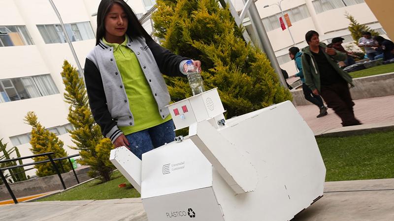 CAFMA robot hecho en fab lab Huancayo | Universidad Continental