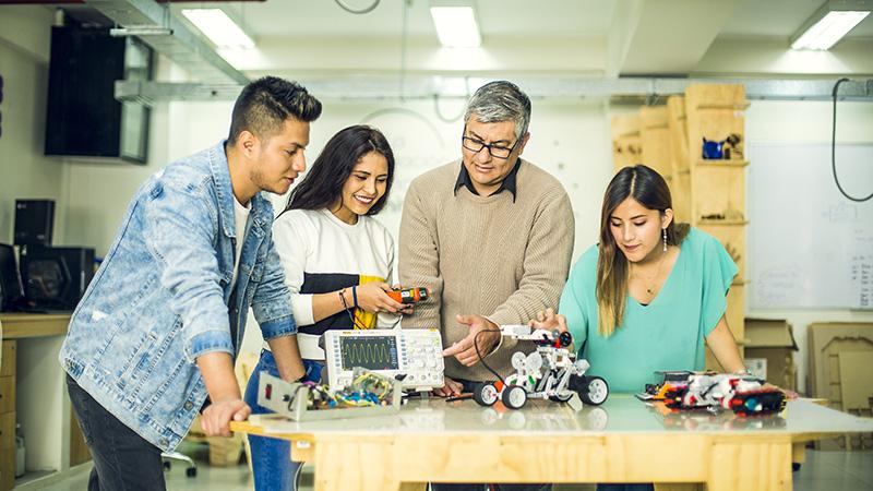 salud-y-tecnologia-conoce-al-robot-que-puede-ayudar-a-ninos-con-autismo-universidad-continental-4.jpg