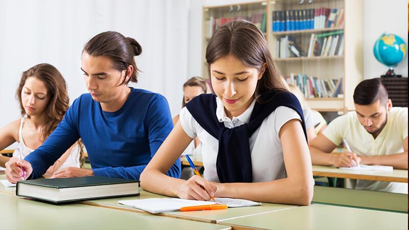 Cuál es la edad ideal para aprender un nuevo idioma | Universidad Continental