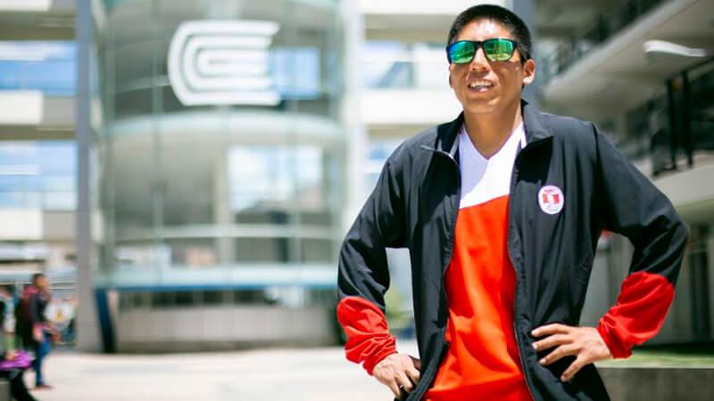 Rosbil Guillen: futuro abogado, para atleta peruano, medallista olímpico | Universidad Continental
