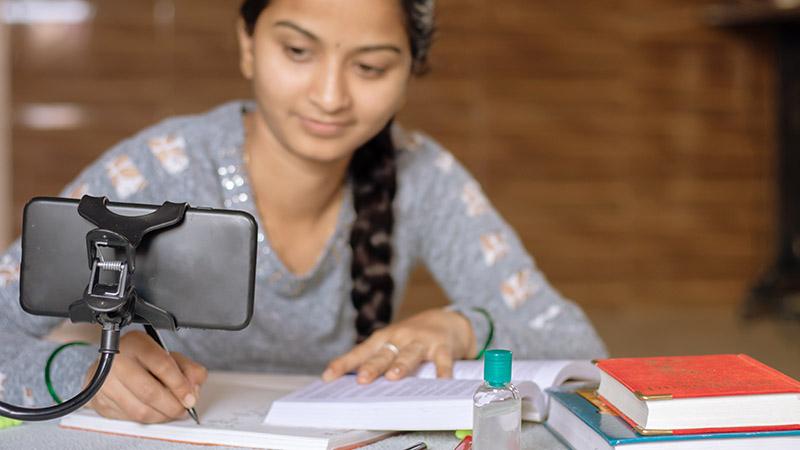 educacion-a-distancia-5-razones-para-estudiar-a-distancia-en-la-universidad-continental